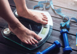 should you weigh yourself every day