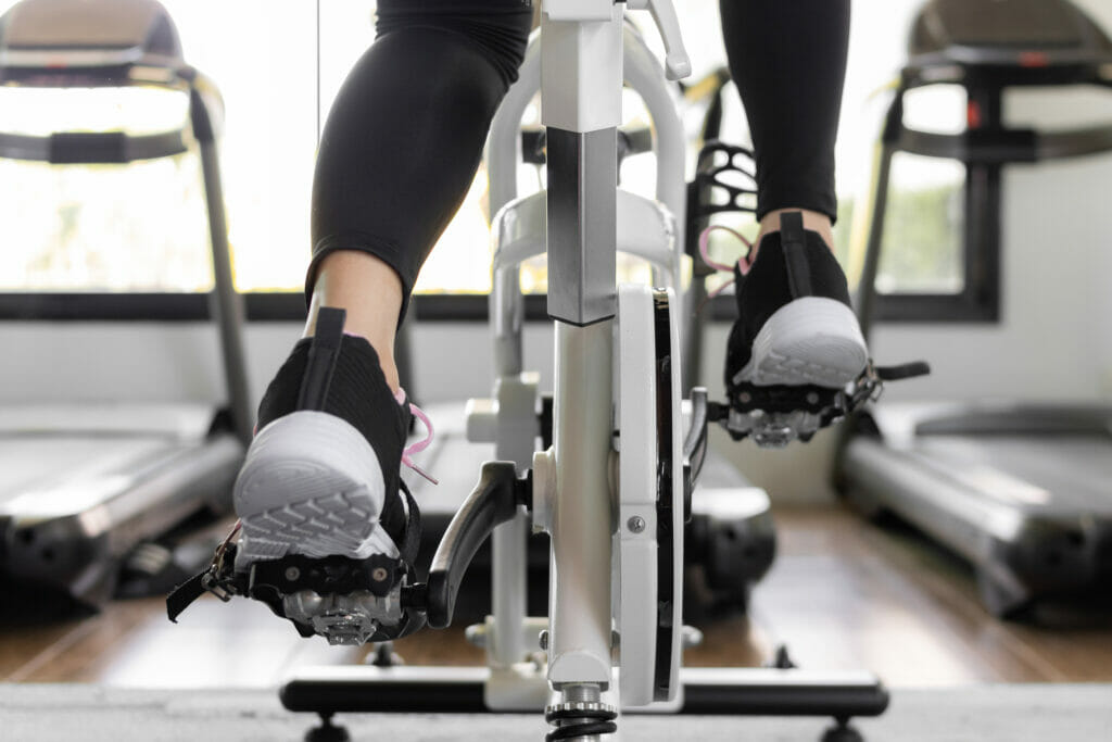 joroto magnetic spin bike review